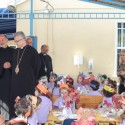Prelate Attends Tufenkian Pre-School Thanksgiving Gathering